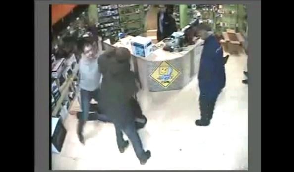 CAM-un-employe-interpelle-seul-deux-voleurs