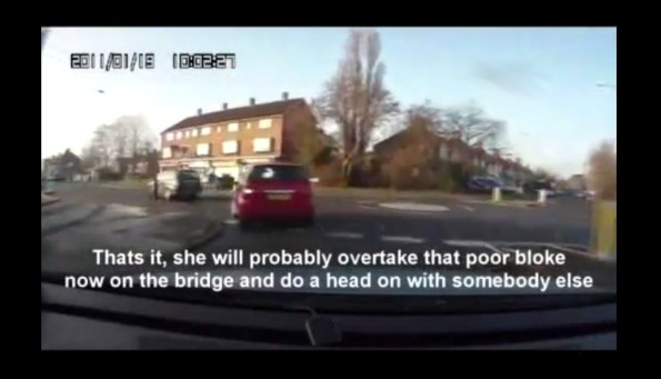 CAM-une-conductrice-anglaise-percute-un-pieton-et-prend-la-fuite
