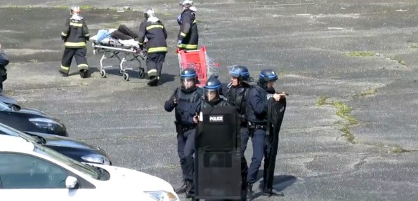 PN-la-police-effectue-un-exercice-anti-terroriste-a-cergy