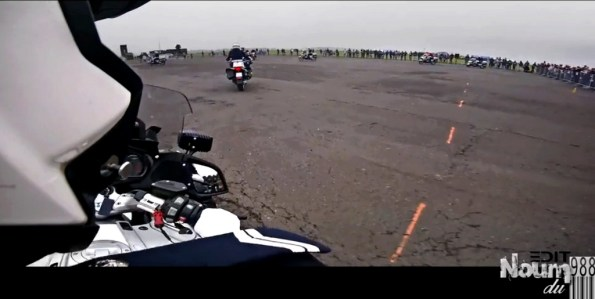 PN-teaser-les-motards-de-la-prefecture-de-police-de-paris-font-le-show