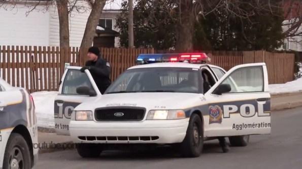 US-des-policiers-canadiens-arrivent-en-renfort-suite-a-un-appel-de-detresse