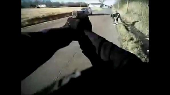 US-un-policier-abat-un-fuyard-arme-d-un-pistolet
