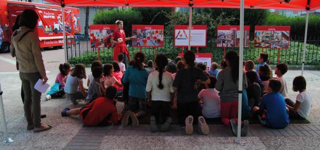 La Caravana d'Educació Viària de la Fundació Mapfre aparca a la plaça de la Panderola fins al divendres