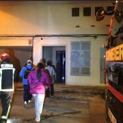 Un incendi en la cuina d'una quarta planta d'un habitatge en Vila-real obliga a desallotjar a tots els veïns