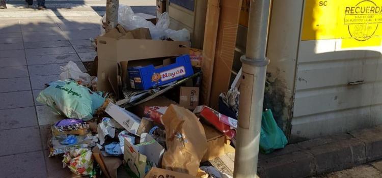 Ciutadans critica que la brutícia ompli la via pública sense cap solució