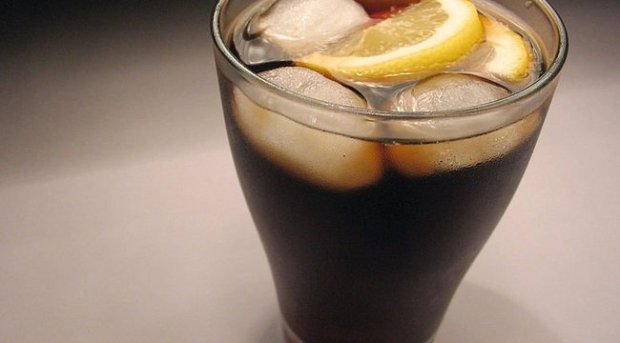 1373213_774px-glass-cola.jpg