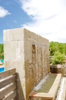 casa-rural-costa-brava-grupos-32-personas-piscina-privada-porche-barbacoa-villa-la-belladona-020
