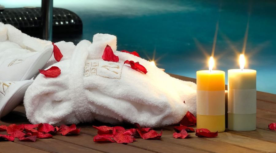 Surprise your partner with a romantic Christmas present