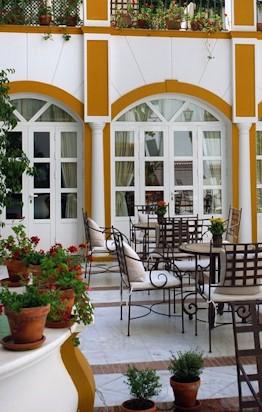 Detalle patio hotel Vincci La Rabida Sevilla