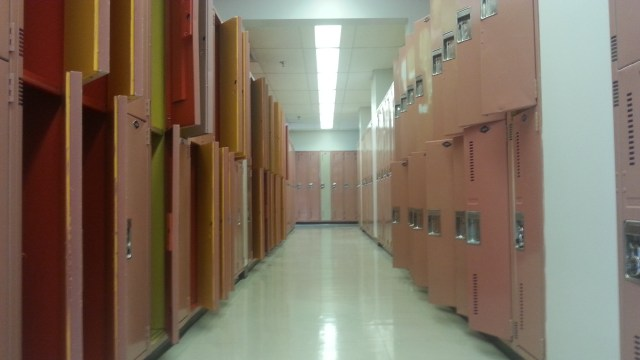 7,000 Students Share 1,000 Lockers