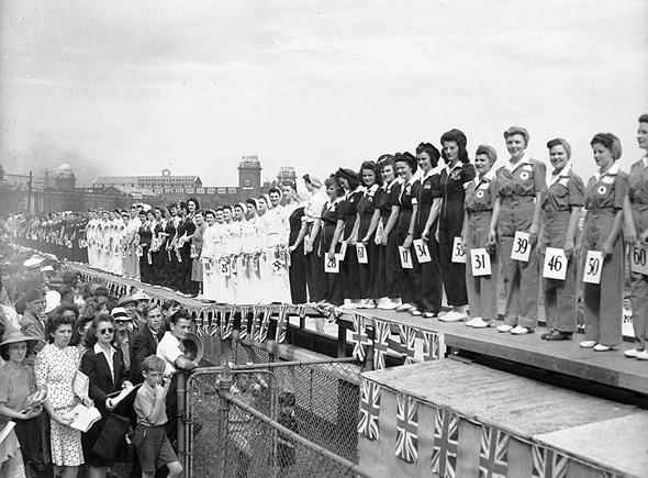 Miss_War_Worker_Beauty_Contest_1942