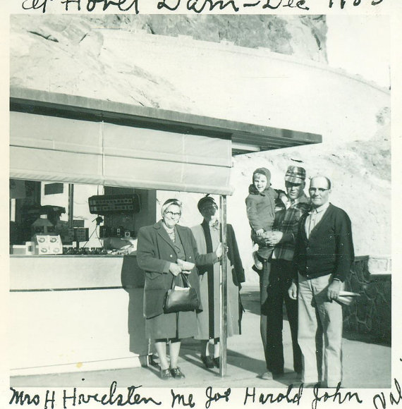 1950s-vintage-photo-of-family-at-hoover-dam