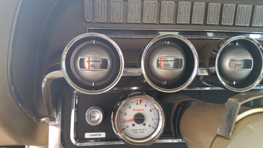 low oil pressure - Vintage Thunderbird Club International