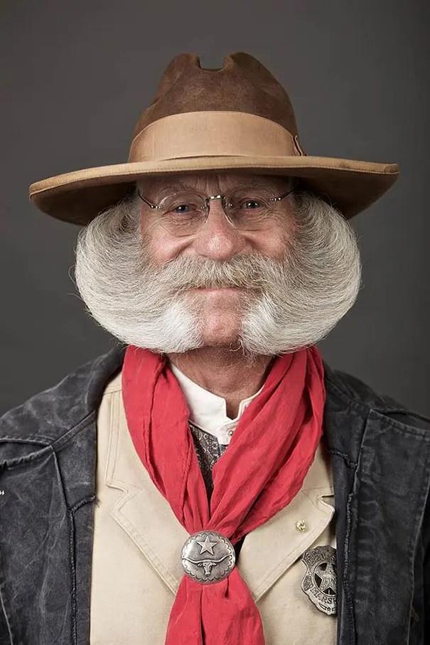 barbas y bigotes 1