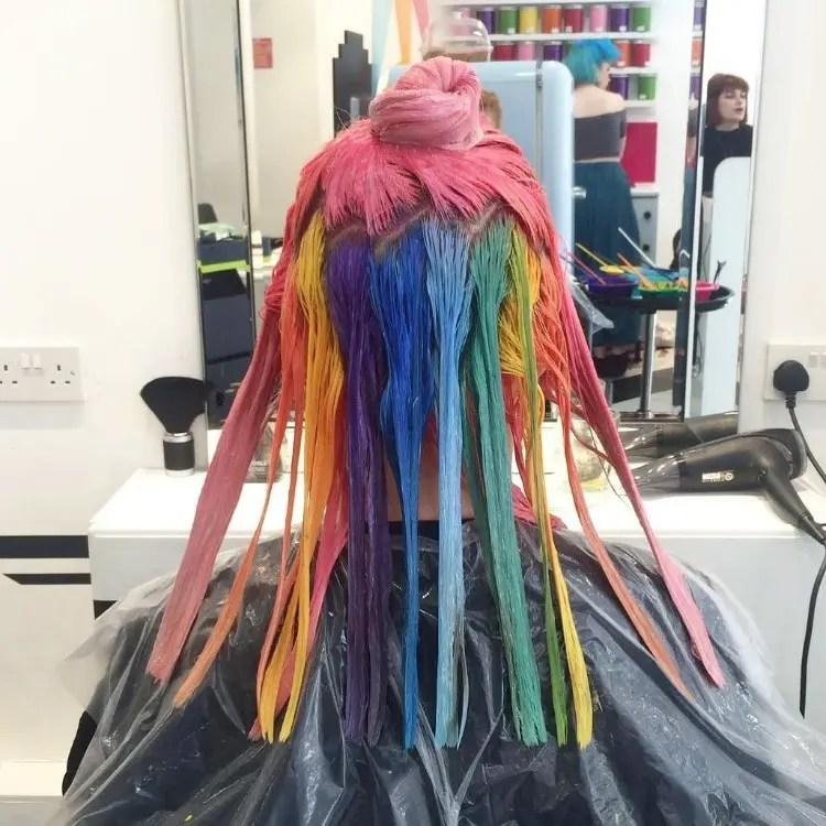 tendencia-pelo-arcoiris-escondido-06