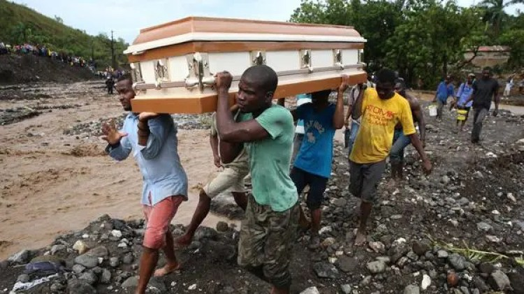 devastador-huracan-en-haiti2