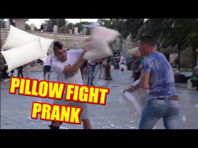 Pillow Fight Prank – Μαξιλαροπόλεμος | Tsach