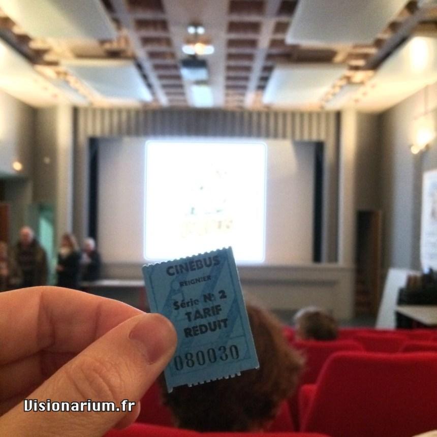 Un ticket de cinéma comme on en fait plus. (En fait, si, la preuve.)