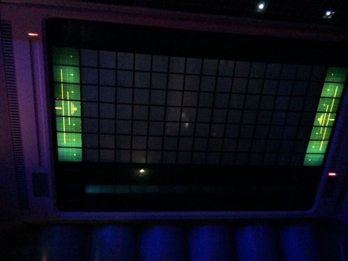 L'écran, ces derniers temps (et depuis très longtemps), simplement noir entre les pubs. Photo : Visionarium.fr