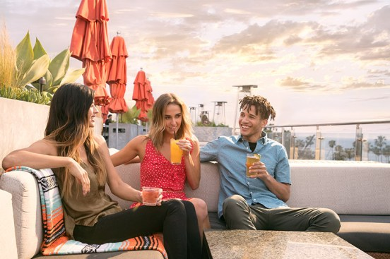 37_gallery_high_rooftop_lounge