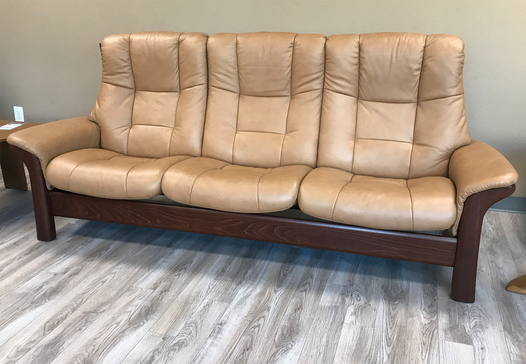 ekornes leather sofa stressless buckingham 3 seat high back sofa paloma taupe color