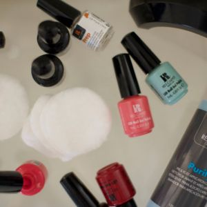 Why I Can't Stop Wearing Gel Nail Polish
