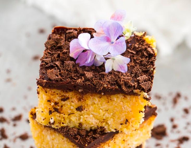 Cuadrados de polenta con cubierta de chocolate. Foto: Pin Campaña.