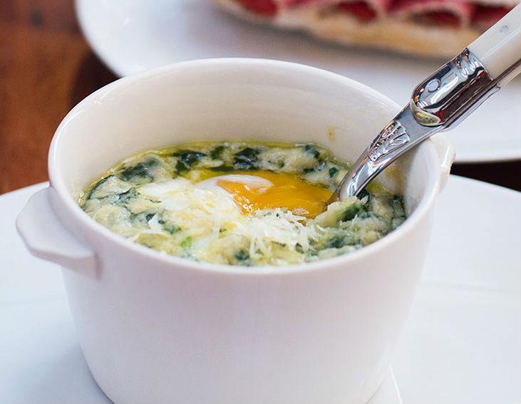 Una de las preparaciones de huevos de Pan/Bar. Foto: La Vinoteca.