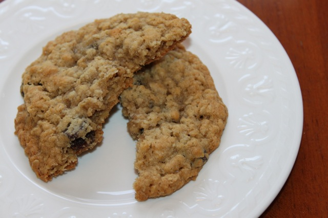 Grandma's chewy oatmeal cookie recipe! - Vixen's Kitchen