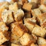 Garlic Parmesan Croutons - www.vixenskitchen.com