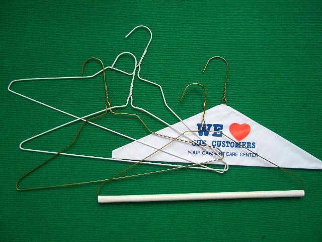 Metal_hanger_wire_hanger_clothes_hanger