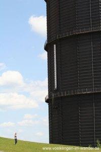 Der beeindruckende Gasometer blieb bis zu seiner Sprengung 2008 stehen. (Foto: Hell)