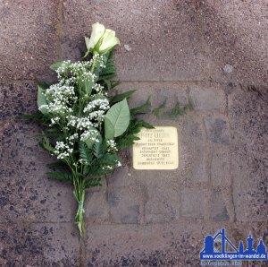 Stolperstein zum Gedenken an Fritz Lieser vor dem AEG. © Andreas Hell