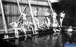 Die Flussbadeanstalt der Firma Röchling um 1905