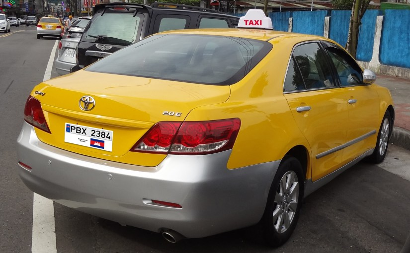 toyota-camry-cambodia-taxi