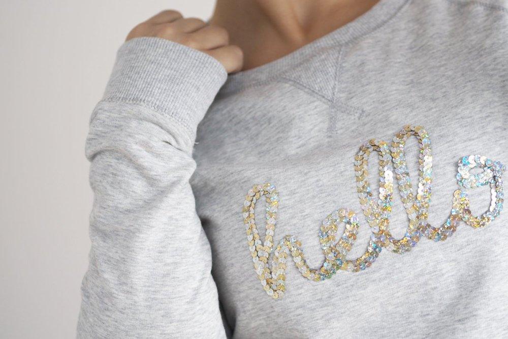 Pullover selbst gestalten Sweatshirt Schriftzug Pailetten