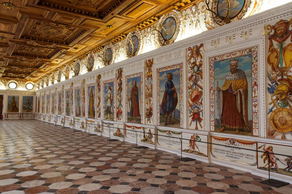 Schloss-Ambras-spanish-hall-2