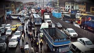 """Creo que """"caos"""" queda corto para describir el tráfico limeño."""