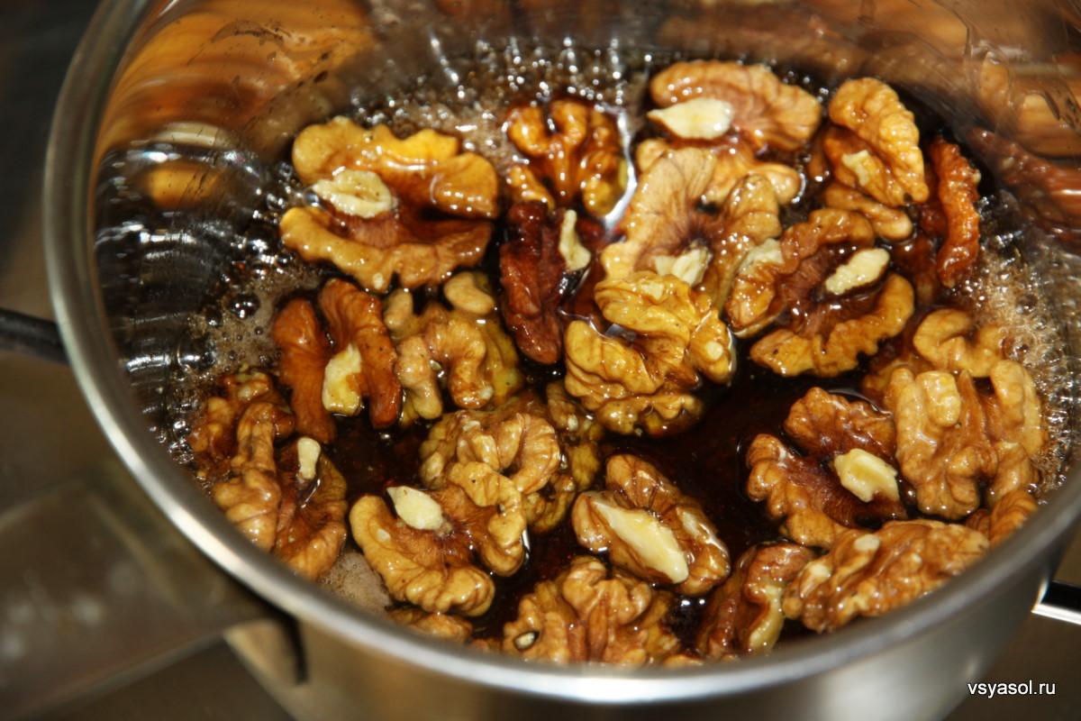 Что приготовит из меда и грецких орехов