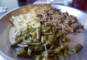 12 Bones Pulled Pork, Green Beans, Mac & Cheese