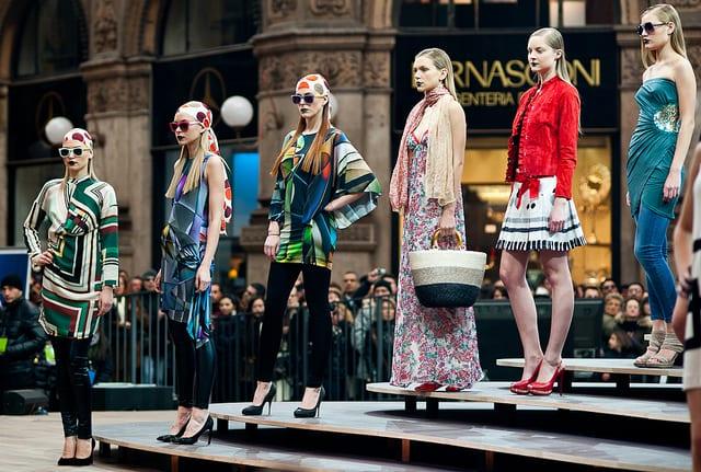 Fashion Show, Piazza Duomo (flickr: mat's eye)