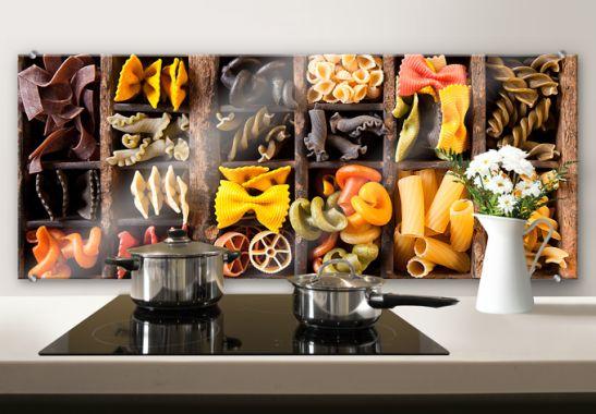 Crédence en verre avec une variété de pâtes ! Disponible sur www - alu dibond küchenrückwand erfahrung