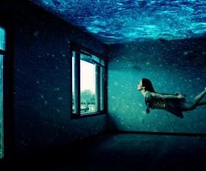 Digital Blasphemy 3d Wallpaper Free Girl Swimming In Underwater Room Wallpaper