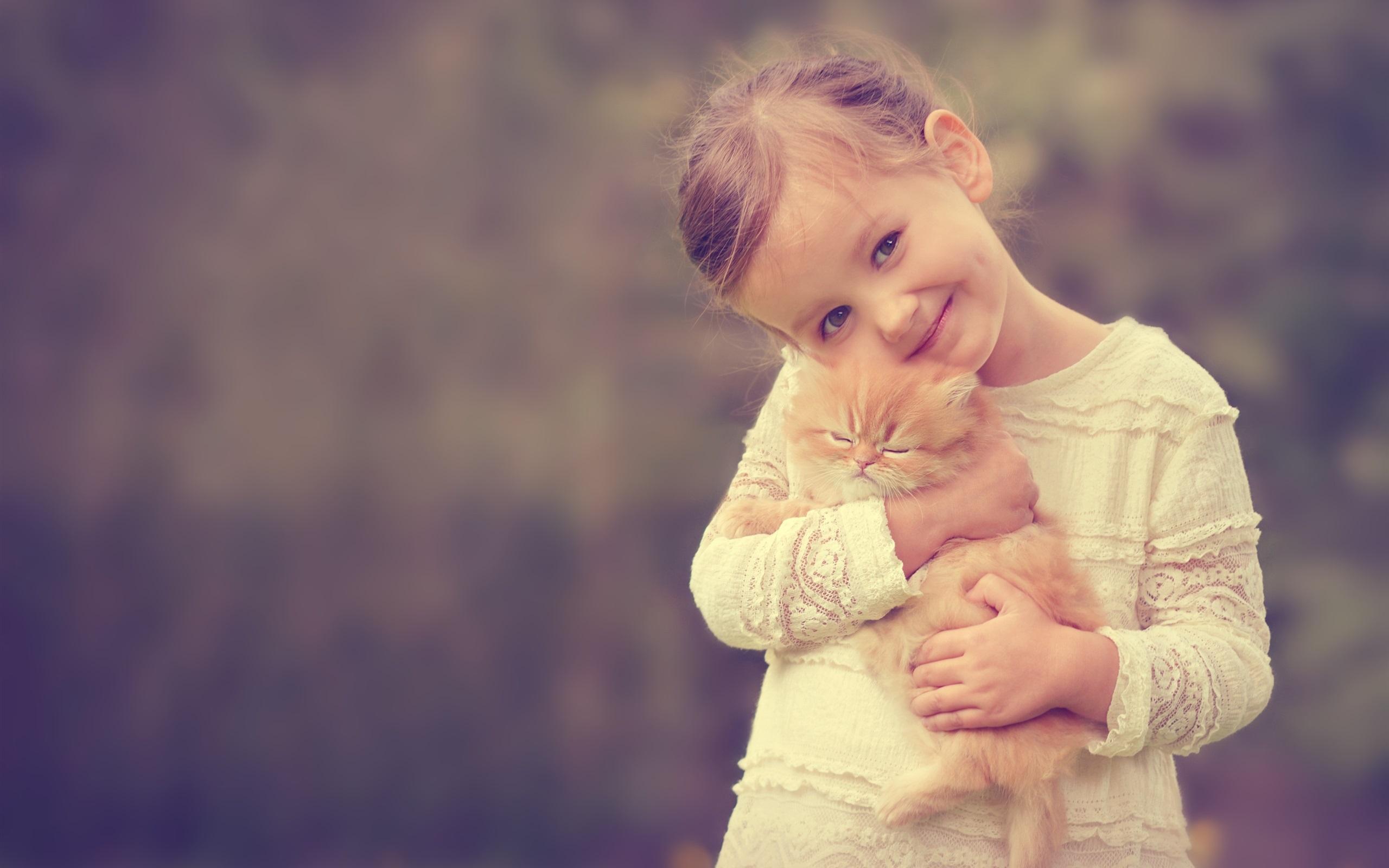 Cute Little Girl Wallpaper Download Cute Girl Holding A Cat Smile Wallpaper Cute