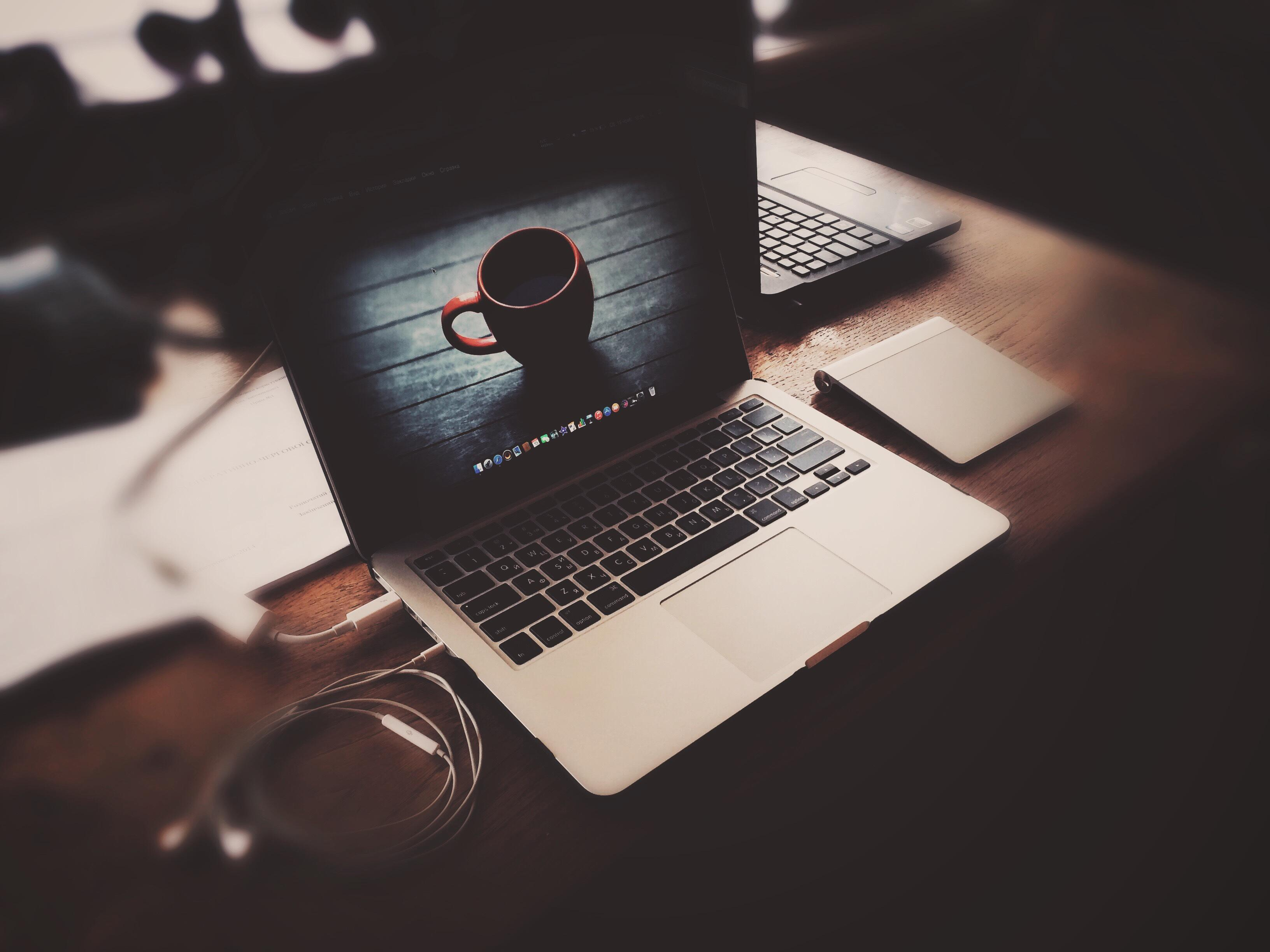 3d Wallpaper For Macbook Pro 13 Macbook Pro Apple Laptop Headphones Table Wallpaper