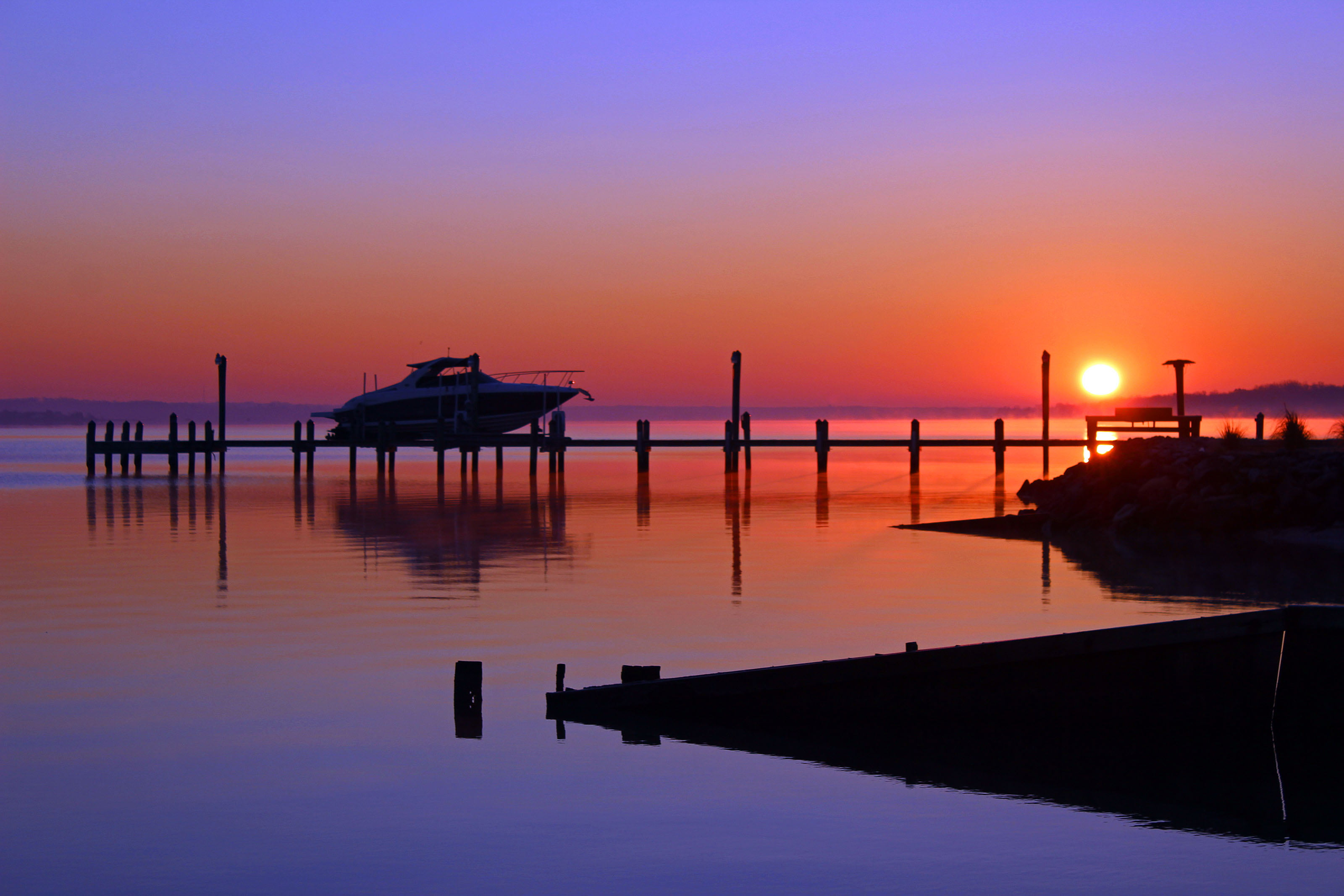 Live Wallpaper For Iphone 3gs Silhouette Of Boat On Dock During Sunset Hd Wallpaper