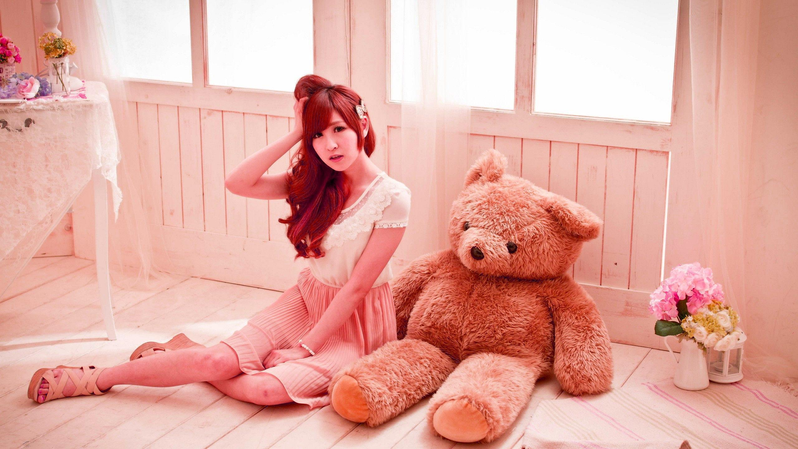 Cute Baby Boy Full Hd Wallpaper Download Innocent Girl And The Teddy Innocent Girl