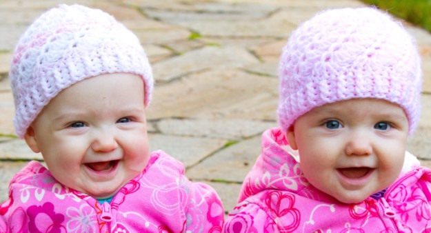 Cute Newborn Baby Hd Wallpapers Download Twin Baby Girls Cute Baby Girl Wallpapers For