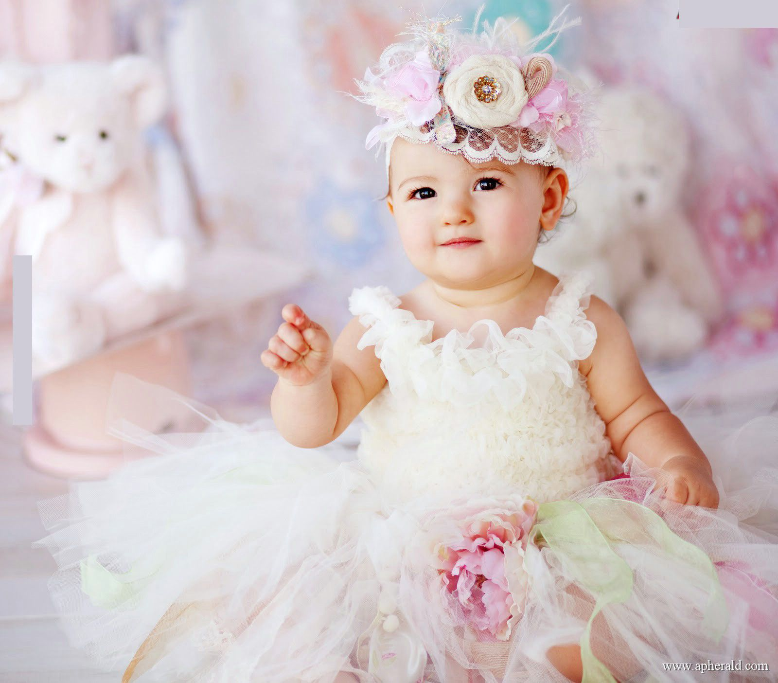 Babies Wallpapers Cute Baby Pictures Download Cute Princess Hd Wallpaper Cute Baby For Your