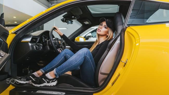 1600x2560 Car Wallpaper Wallpaper Blonde Woman Car Jeans Hat Open Mouth